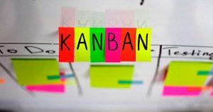 Kanban é um sistema de controle de fluxo de produção desenvolvido no Japão. Ele é o melhor sistema para a maximização produtiva.